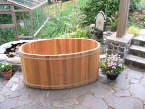 Дървен малък басейн за двор тип каца